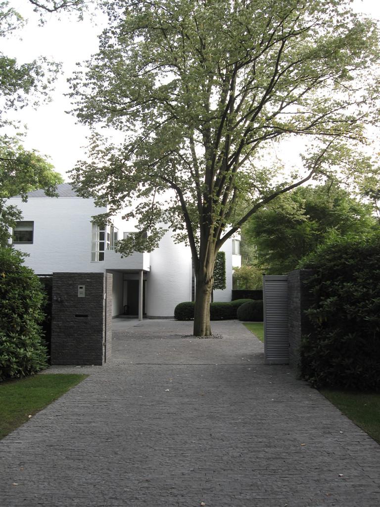 Avantgarden-Hedendaagse-tuinen-Strakke-structuren-en-vormen-01