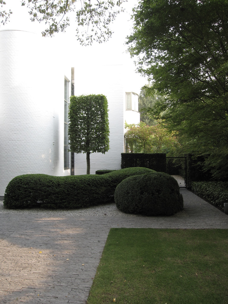 Hedendaagse tuin ontwerp rond prachtig zwembad avantgarden for Ontwerp tuin
