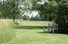 Avantgarden Landelijke tuinen Intieme kamers