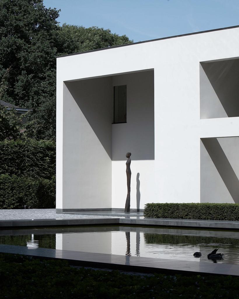 Hedendaagse tuin met grote waterspiegel avantgarden - Architectuur en constructie ...