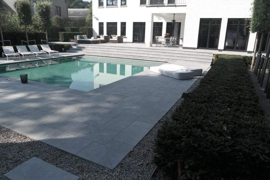 Zwembad voor riante achtertuin avantgarden for Zwembad achtertuin