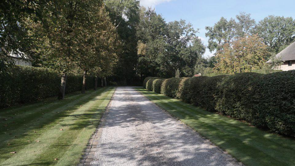 oprijlaan villatuin Noord-Antwerpen
